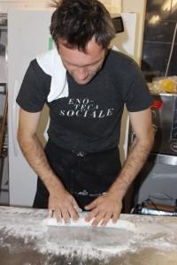 Holger rolling Gnocchi